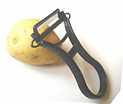 Ceramic_peeler_1_tilt_potato