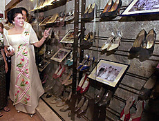 Imelda_marcos_shoe_museum_100909_ap