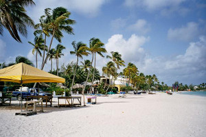 Antigua_beach_view