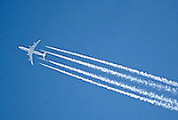 220pxcontrail_fourengined_arp