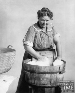 Laundrywashboardwomanwashing610x760